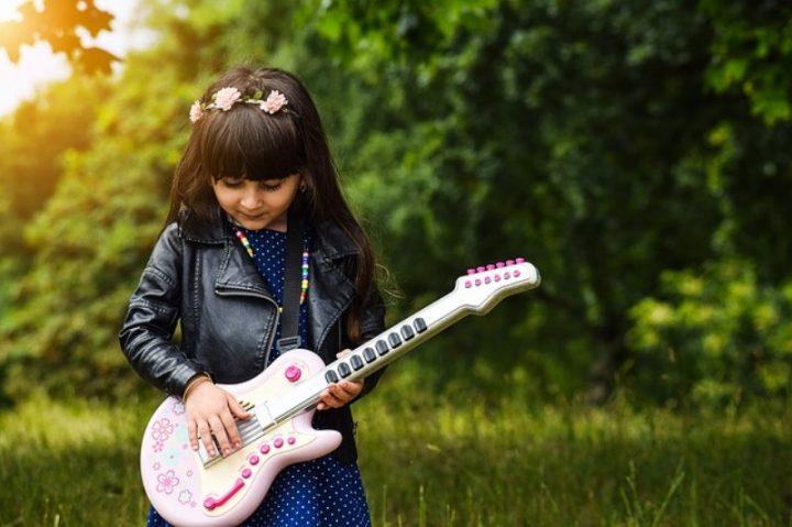 Bambini e canto: come avviarli alla musica